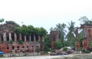 ঐতিহ্যের শ্যামনগরে ধংসের দারপ্রান্তে 'নকিপুর জমিদার বাড়ি'