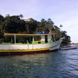 barco-terra-azul-praia-da-cigarras