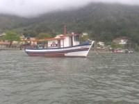 barco-para-pesca-mergulho-sao-sebastiao-sp