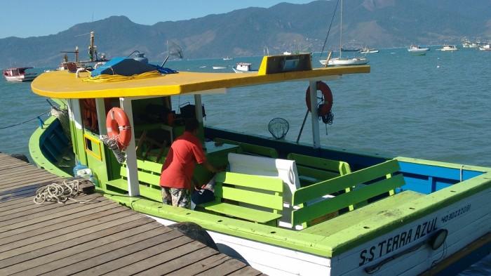 preparando-o-barco-pescaria-em-ilhabela-dominic-barco
