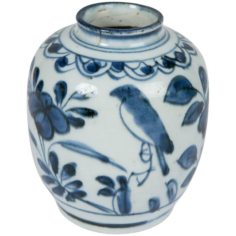 Small Chinese Blue And White Vase Blue And White Chinese Porcelain