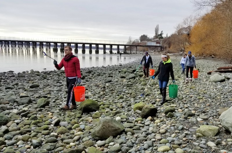Squalicum Beach Cleanup Barefoot Eco Outfitters
