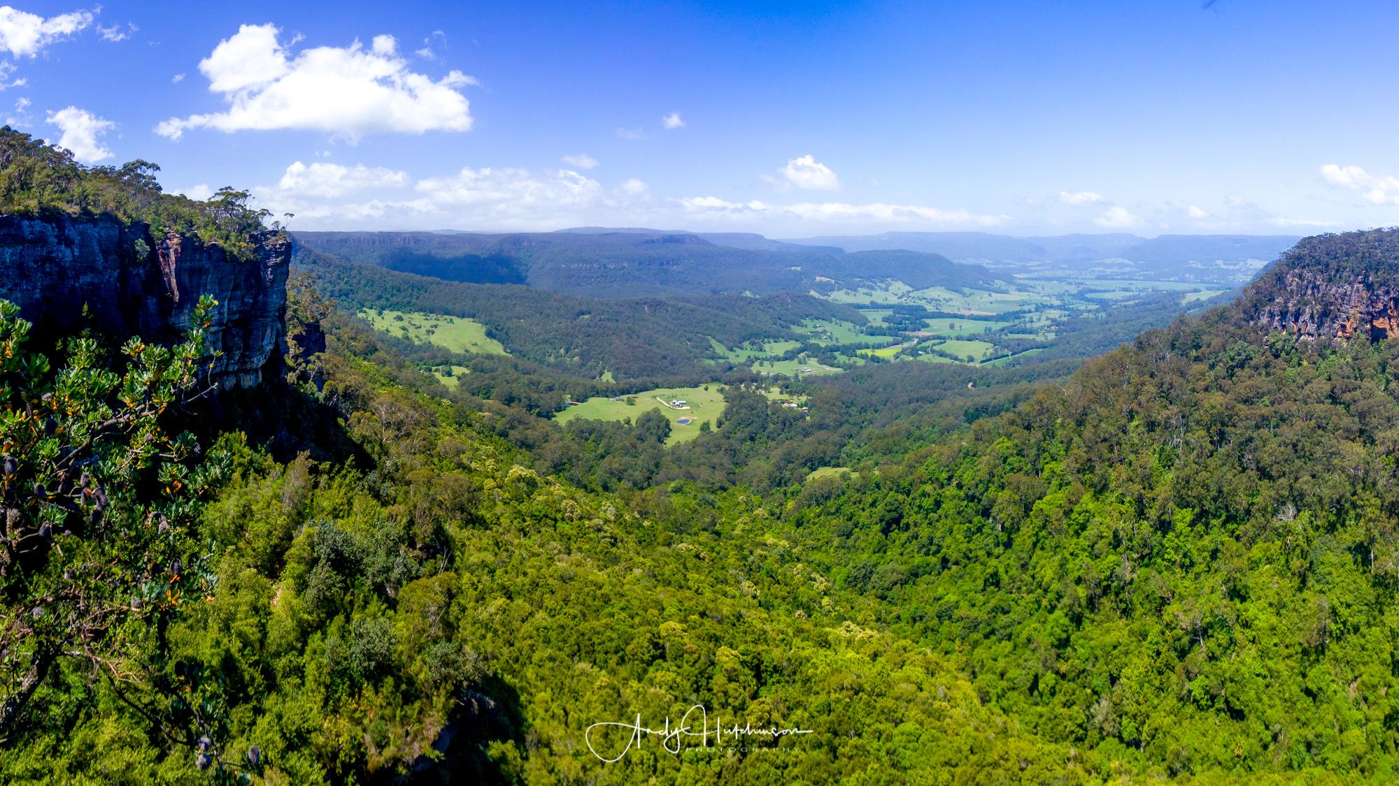 The Manning Lookout is a short walk and an incredible view down across Kangaroo Valley and beyond to the escarpment edges.