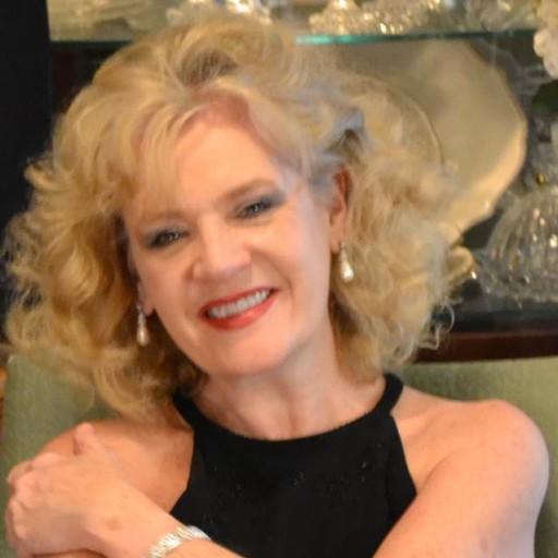 Julie Diamond in the Junq Shoppe