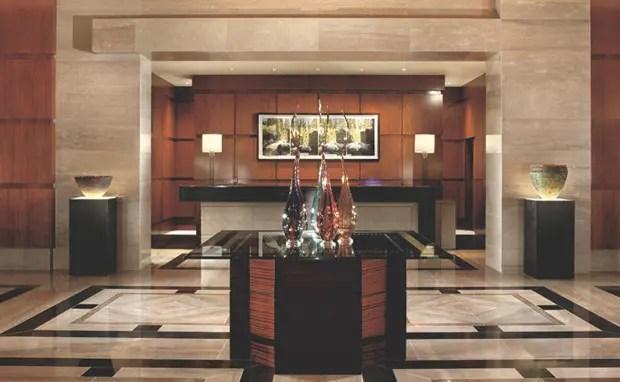 ritz-carlton-charlotte-lobby
