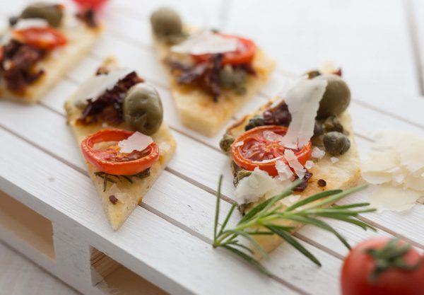 Finger food - Fokača - Slastna pogostitev z majhnimi grižljajčki
