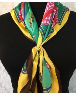 Skjerf i gult og grønt