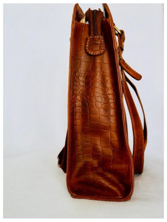 Skulderveske i krokopreget skinn, brun Stor