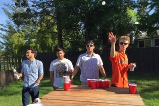 Beer Pong outside