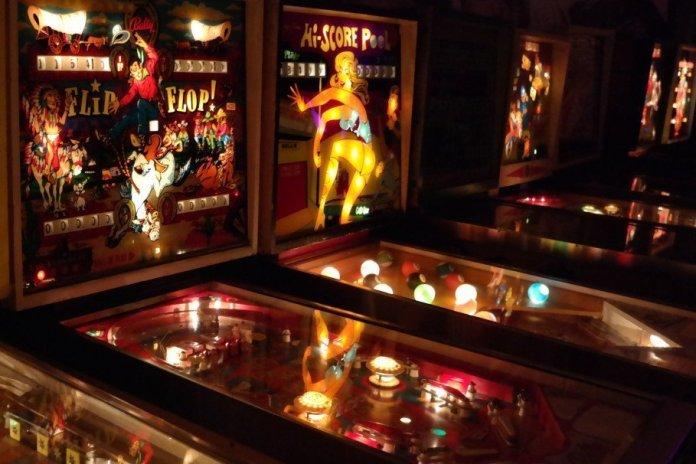 Bar Pinball
