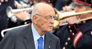 """Napolitano al sacrario di Bari """"Mezzogiorno grande riserva"""""""