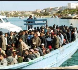 Peschereccio con 171 migranti sette ricoverati per assideramento