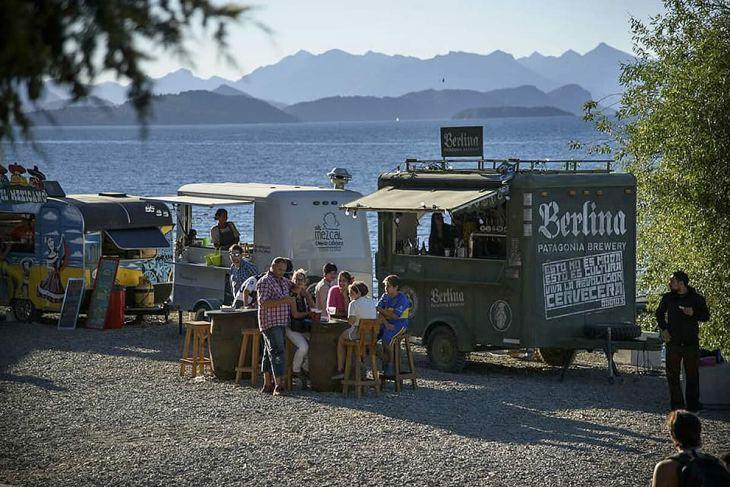Paseo del Lago - food trucks em Bariloche - verão