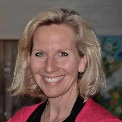 Vicki Saunders - author photo