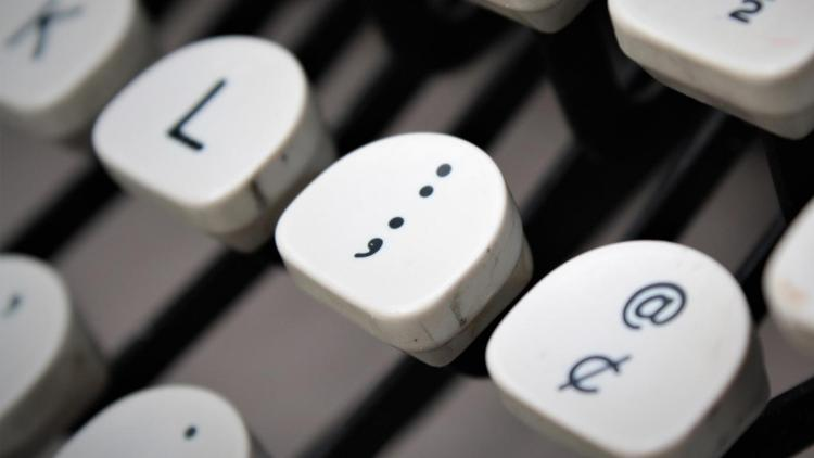 When should you use a semicolon? Barnett Writer helps you so that you can impress your colleagues.