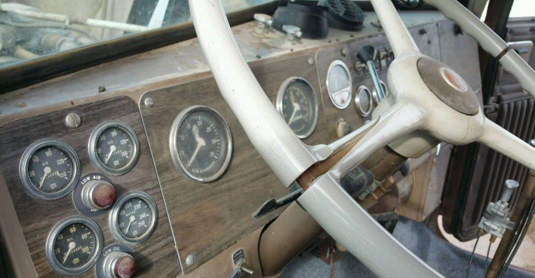 Kenworth W900 Interior
