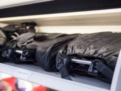 Här ser ni de två olika väskorna till YOYO sida vid sida. Den till vänster är den man kan köpa till och den till höger är den som ingår i priset.
