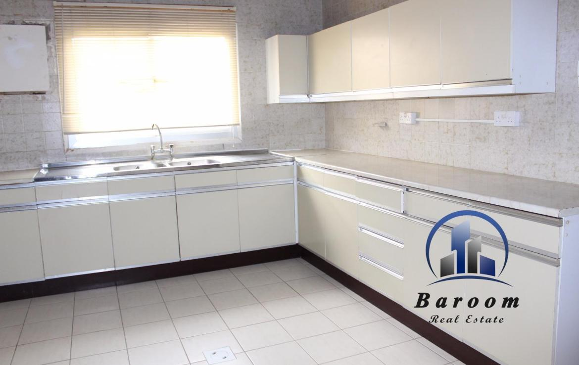 Grand Three Bedroom Apartment 7