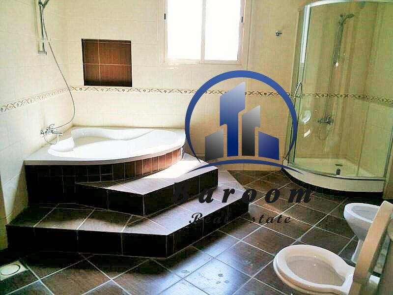 Great Six Bedroom Villa 10