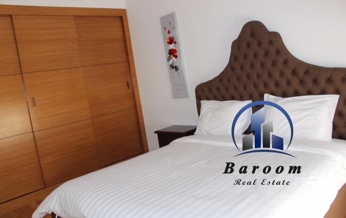 Two Bedroom Bright Apartment4
