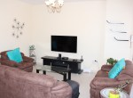Bright Two Bedroom Vibrant Apartment 2