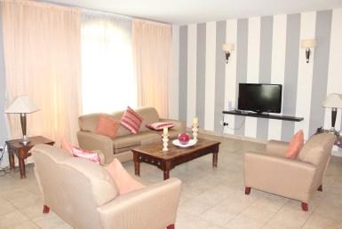 Charming Three Bedroom Vibrant Apartment