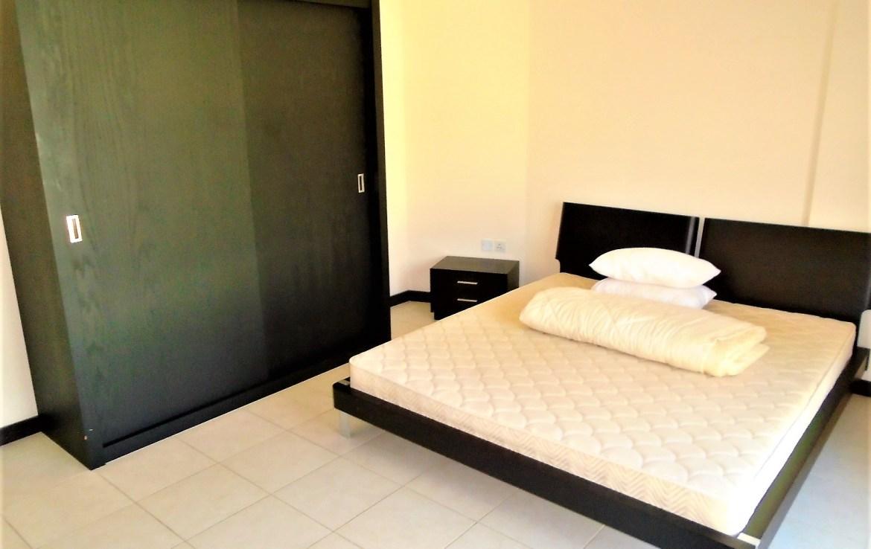 Vivid Two Bedroom Modern Apartment4