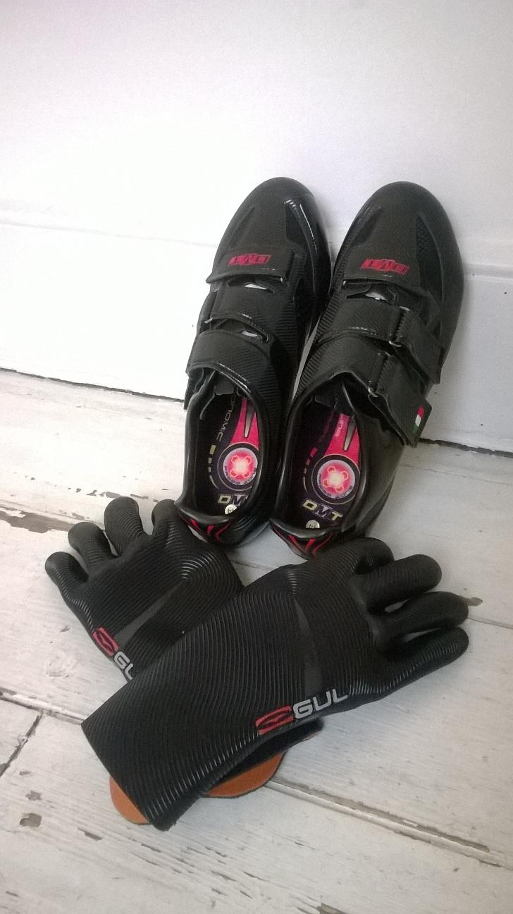 Glove_Shoe_1