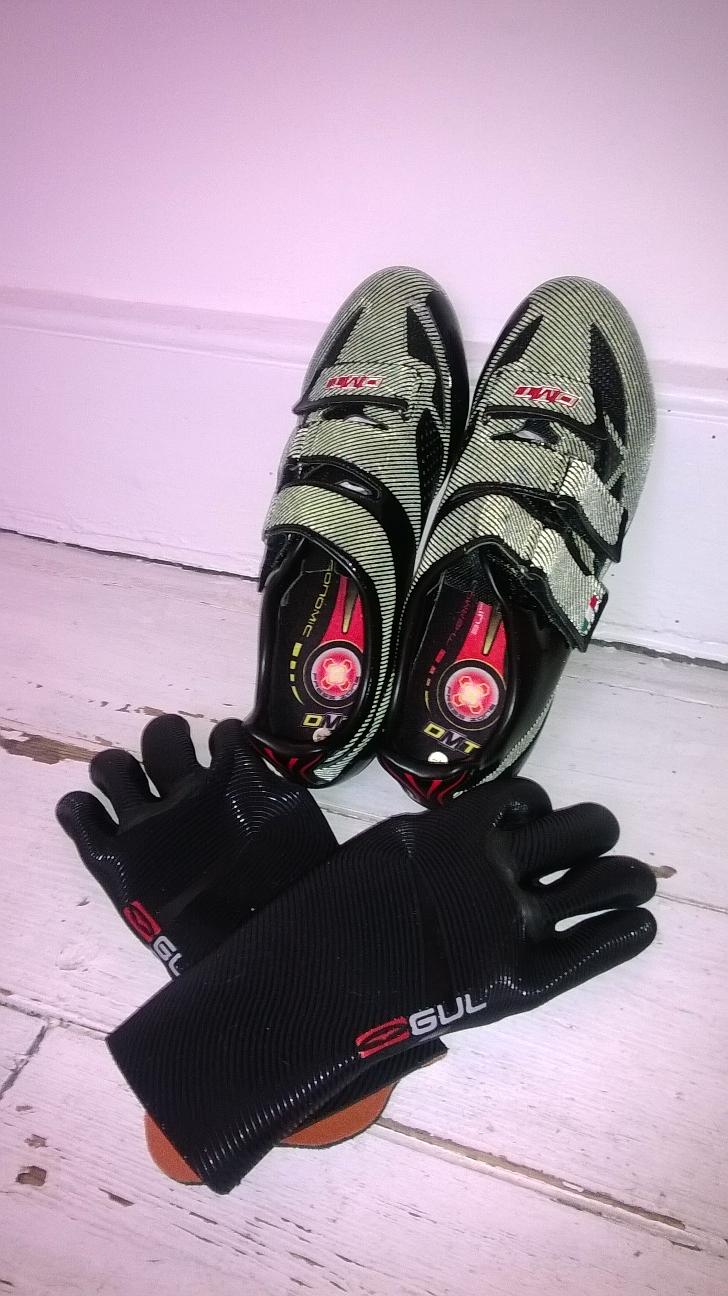Glove_Shoe_2