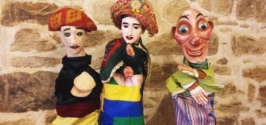 Os tres bonecos de Barriga Verde. De esquerda a dereita, o de Alakrán, o que supostamente empregaba José Silvent e o de Viravolta