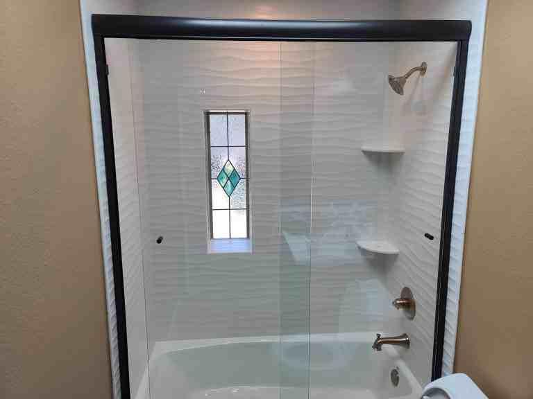 Bathroom remodeling, wavy tile layout