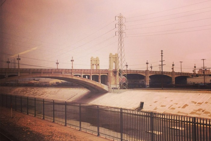 los angeles river 6th street bridge