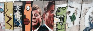 Berlin Wall Street Art in Miracle Mile