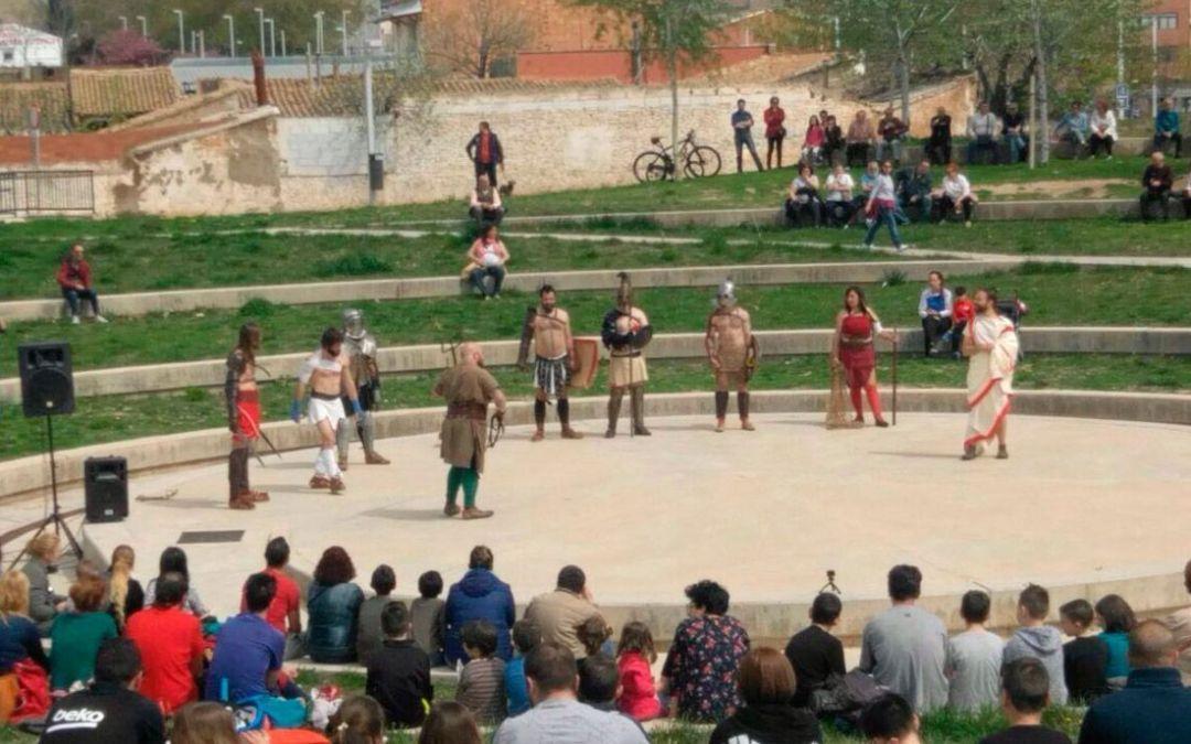 Un espectáculo de gladiadores abre los actos del centenario