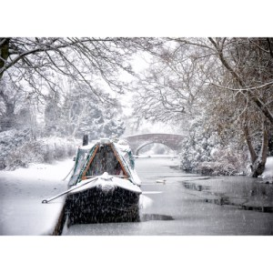 Snowy boating scene on the Coventry Canal at Hopwas