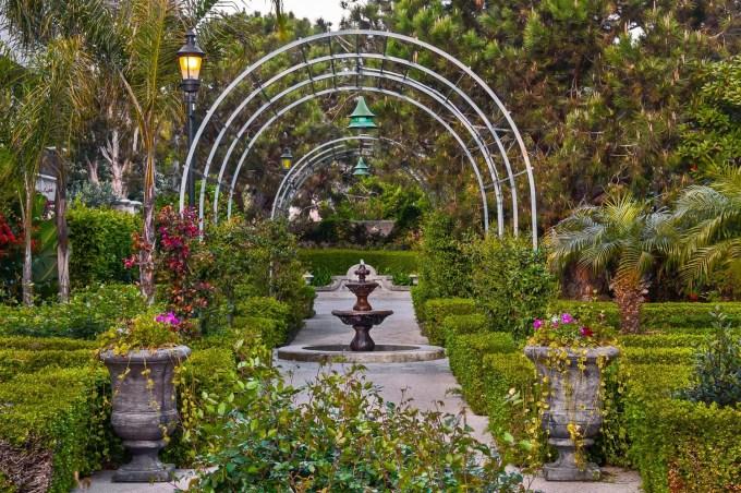 fountain_garden_201203-27 copy