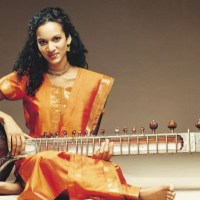 """Norah Jones featured on Anoushka Shankar's New Song, """"Traces of You"""""""