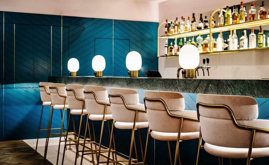 The Most Eye-Catching Restaurant Bar Chairs Are All Here