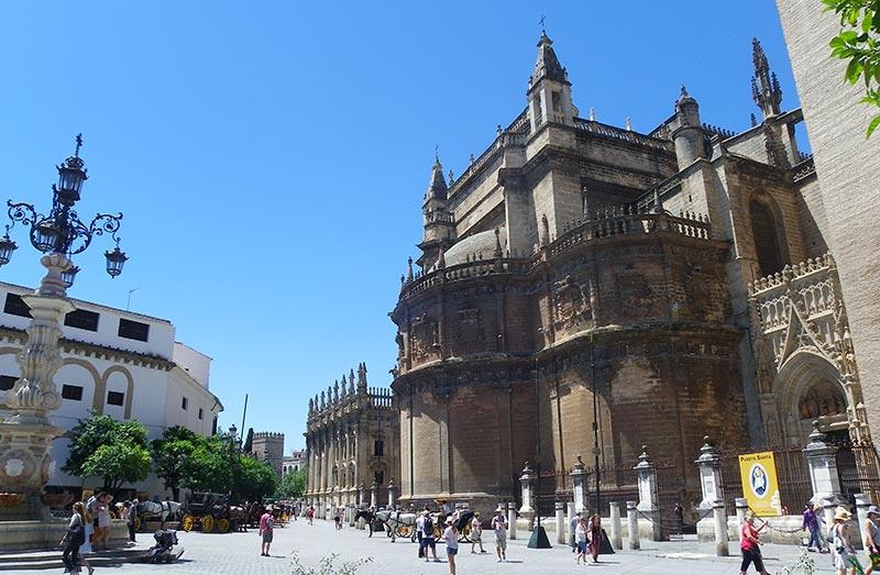 bares de tapas por la Catedral de Sevilla