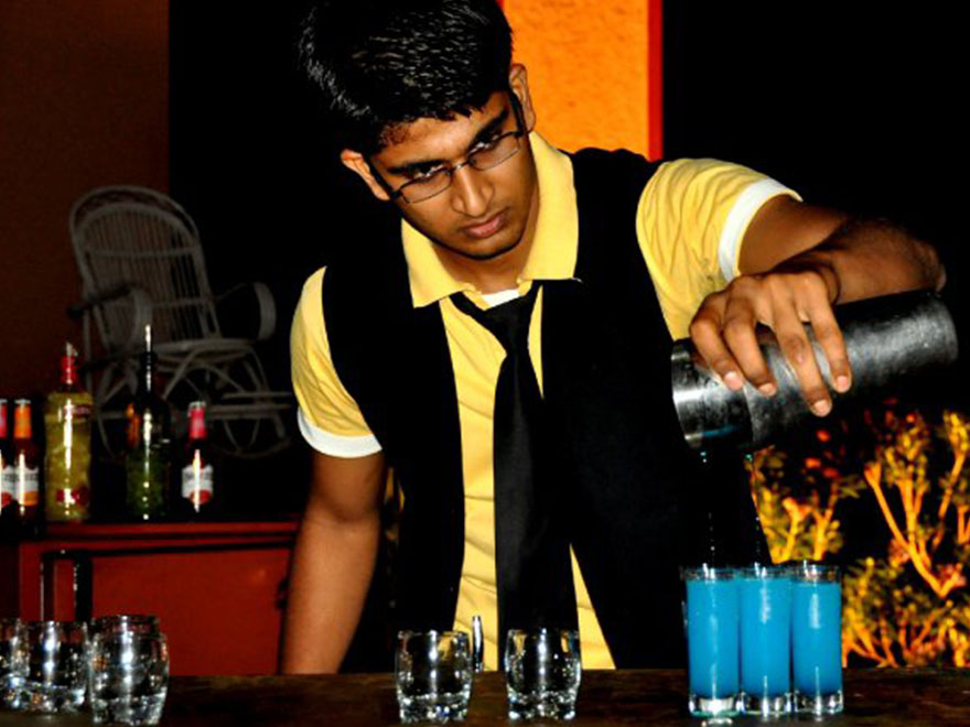 Top 5 Bartender Resume tips