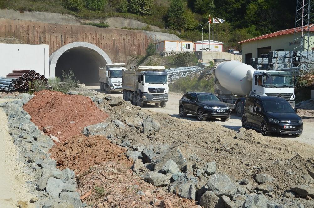 Bartın Kurucaşile arasında 27 kilometre uzunluğundaki tüneller inşa ediliyor
