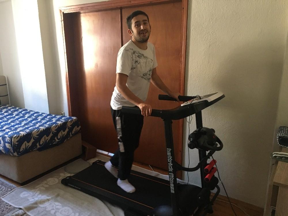 Engelli gencin yürüyüş bandı hayali gerçek oldu