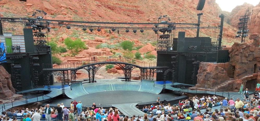 """TUACAHN, UTAH'S  """"Broadway in the Desert"""""""