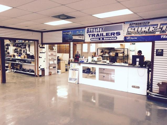 Woobdine Store Counter