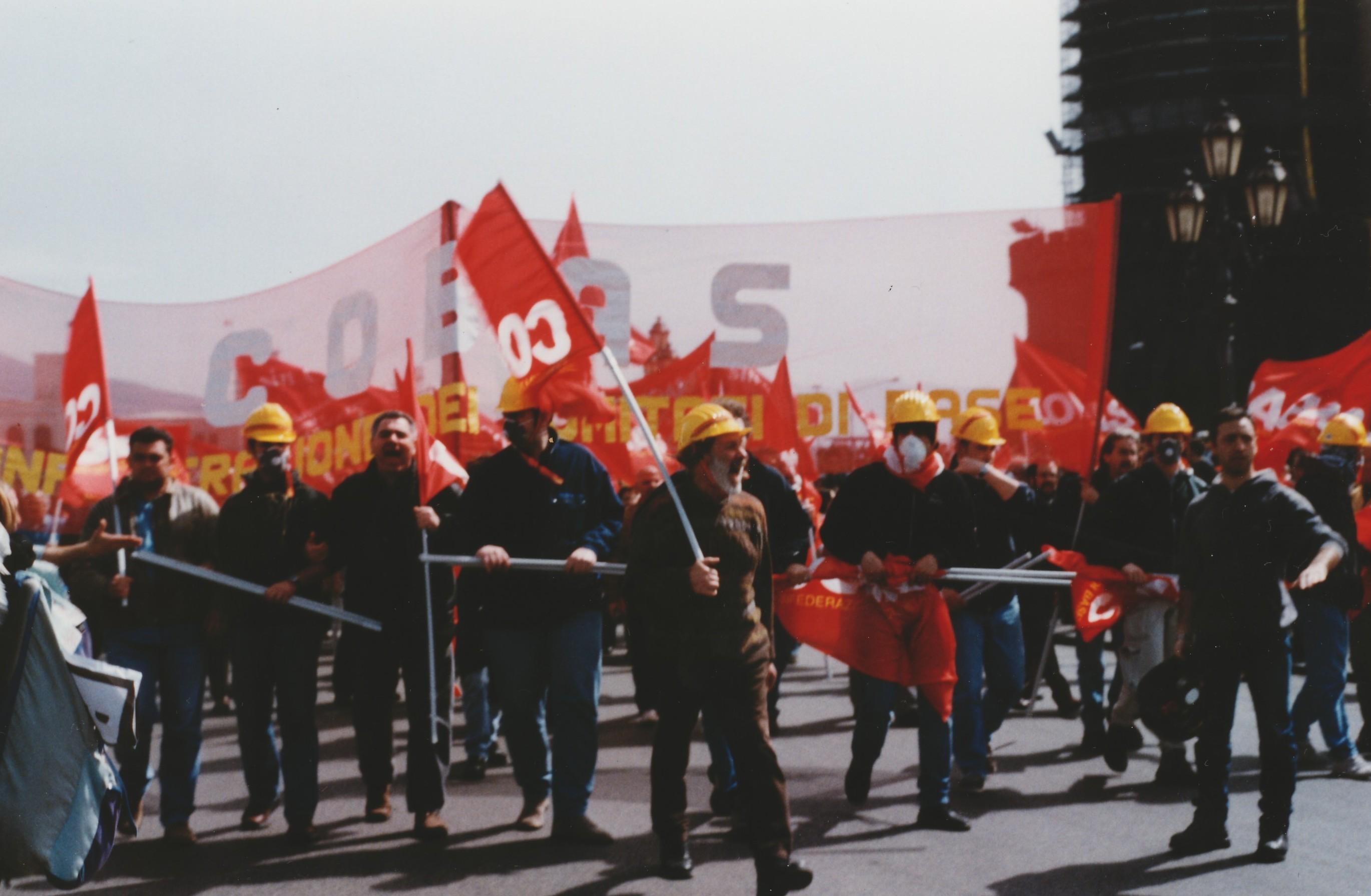 Foto di Valentina Perniciaro _Napoli, Marzo 2001 Lo spezzone dei COBAS_