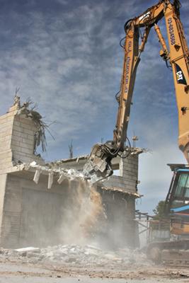 Demolizione di una casa per mano israeliana a Dwayat