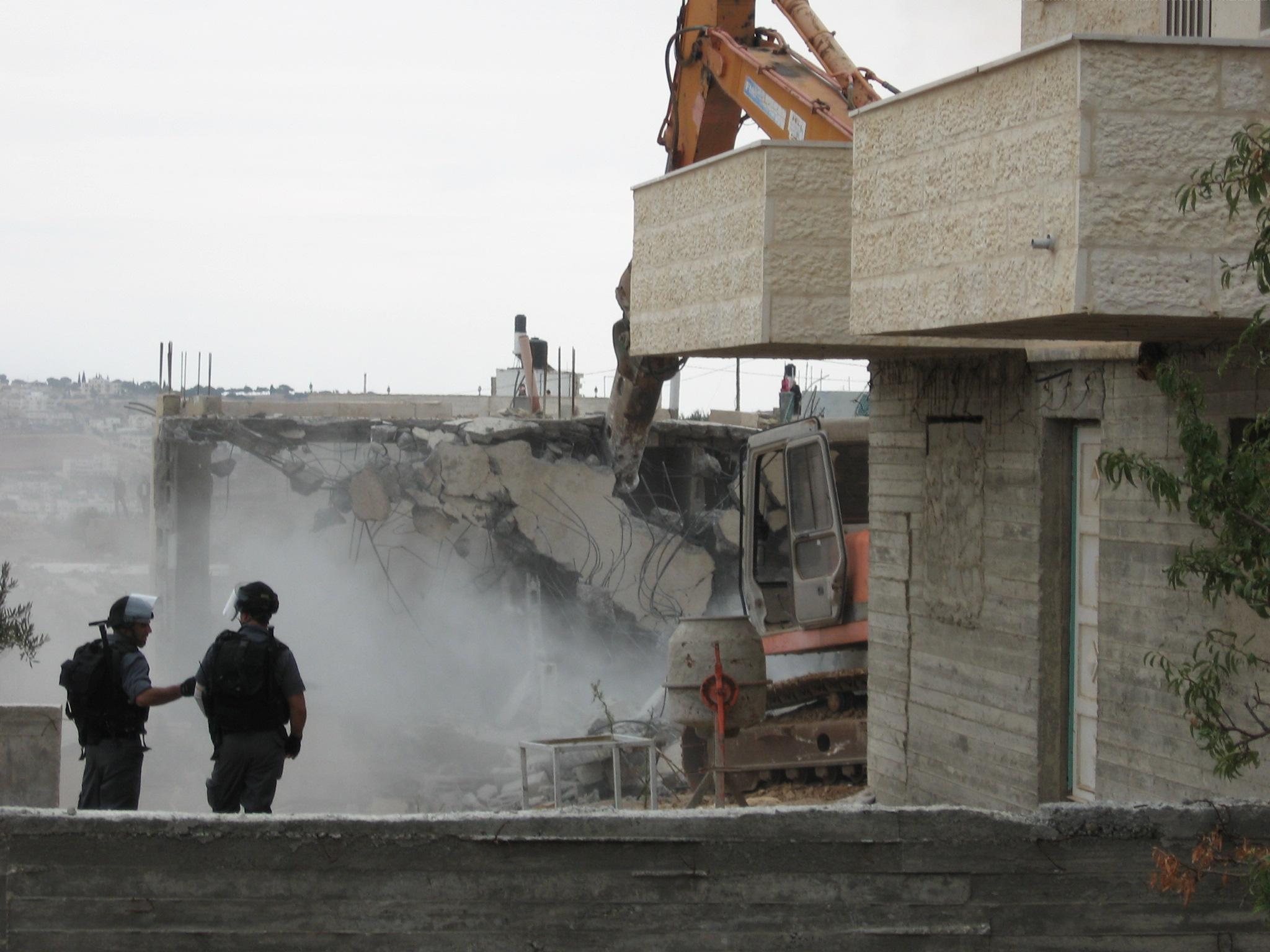 Foto a cura dell'Ichad _demolizioni a Zur Baher_