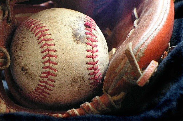 50e8d5404950b108f5d08460962d317f153fc3e456567748702f79d293 640 1 - Baseball Is Something Anyone Can Have Fun With!