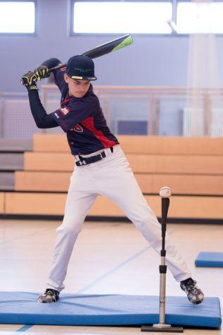 Hendrik hitting
