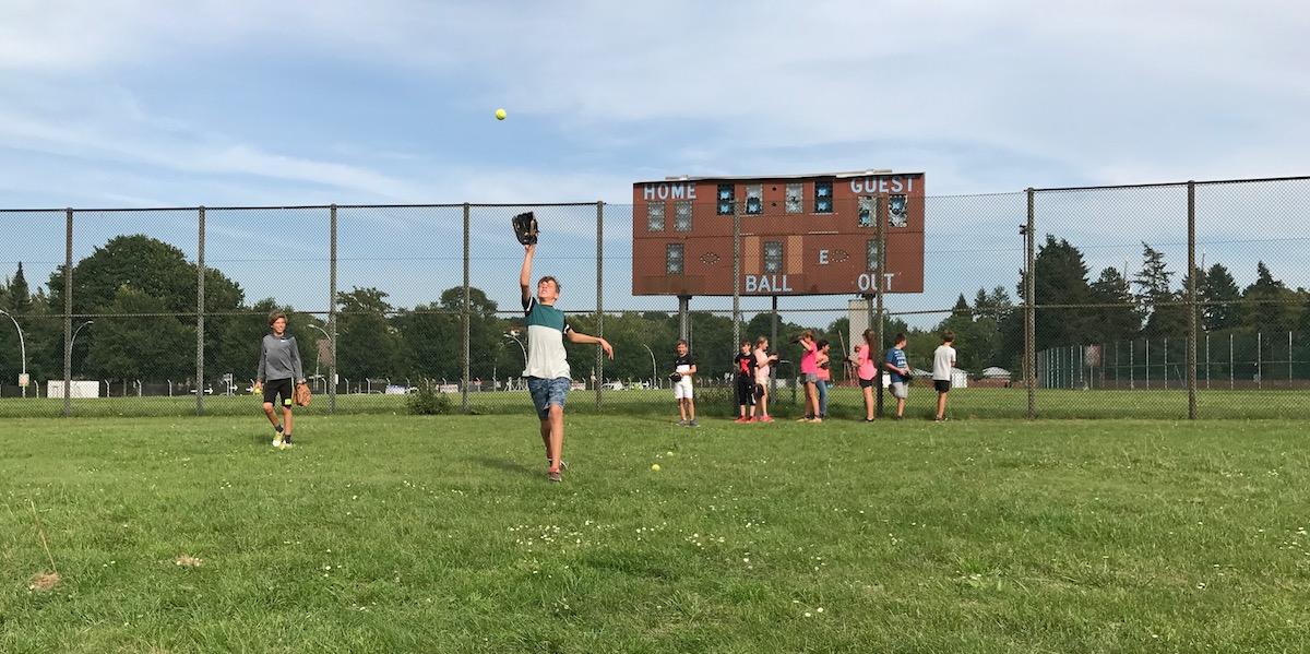 Sports Island und die Baseball School Berlin